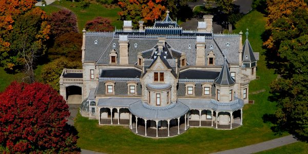 Ariel view of Mansion by Steve Turner, Courtesy of David Scott Parker Architects